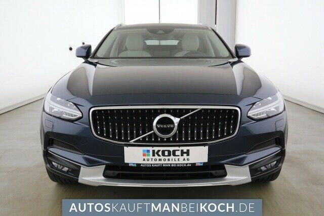 Volvo V90 Cross Country 2018 pred odhodom 4