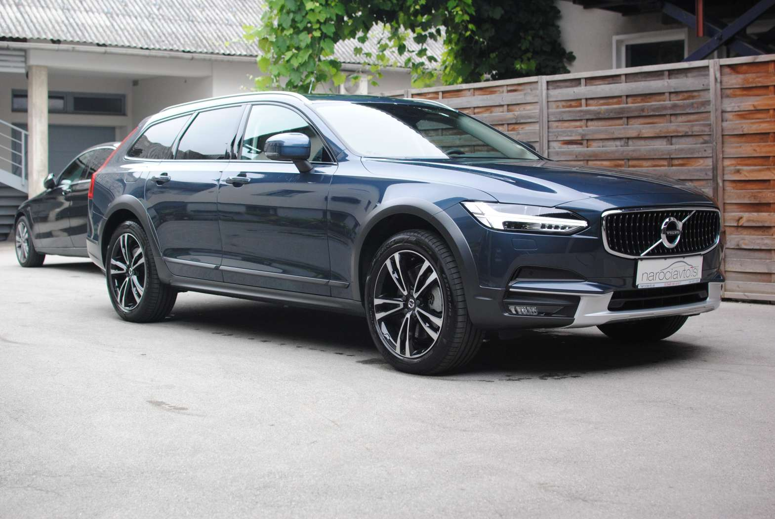 Volvo V90 Cross Country 2018 zunanjost