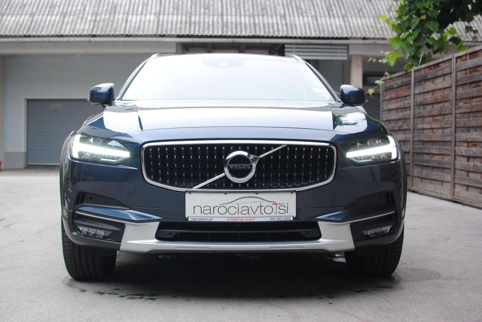 Volvo V90 Cross Country 2018 zunanjost 2