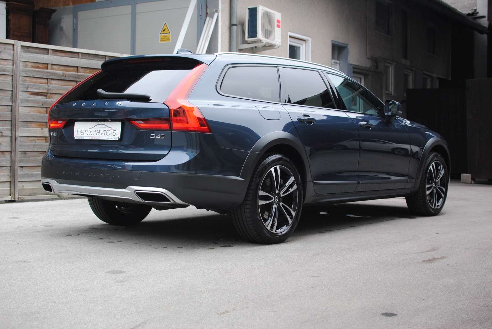 Volvo V90 Cross Country 2018 zunanjost 4