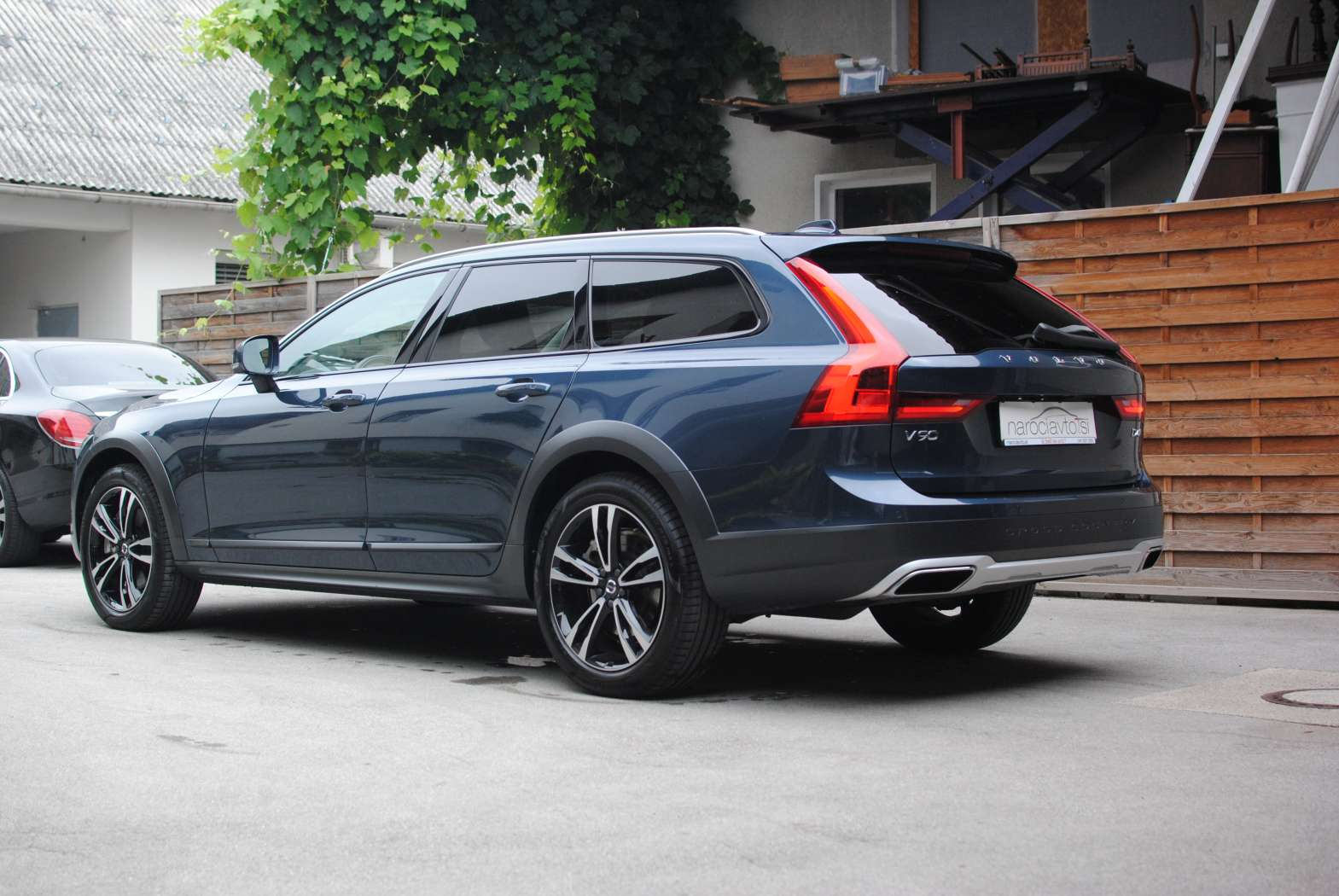 Volvo V90 Cross Country 2018 zunanjost 7